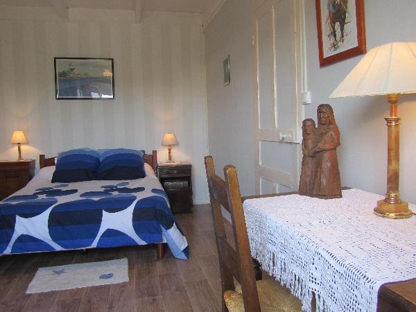 gîte3 : chambre spacieuse.